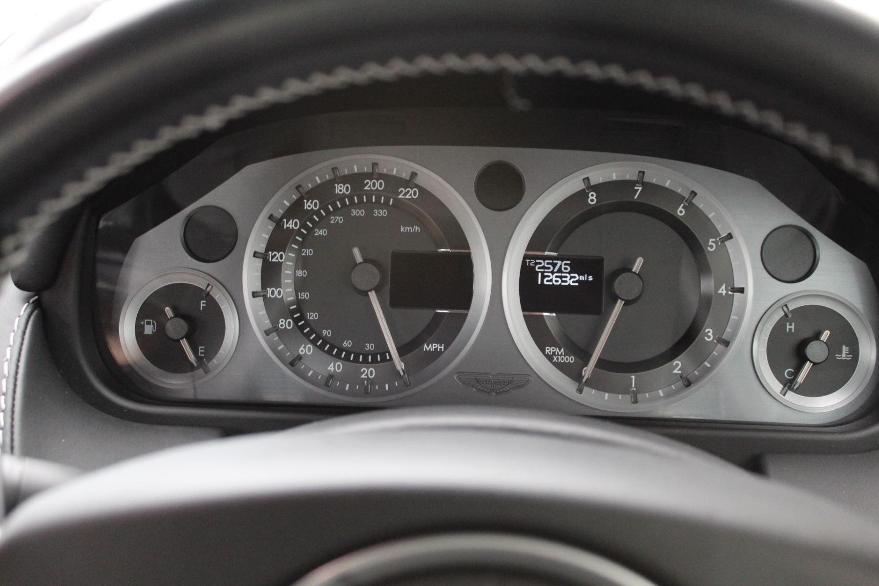 Aston Martin V8 Vantage S Coupe S 2dr Sportshift image 13