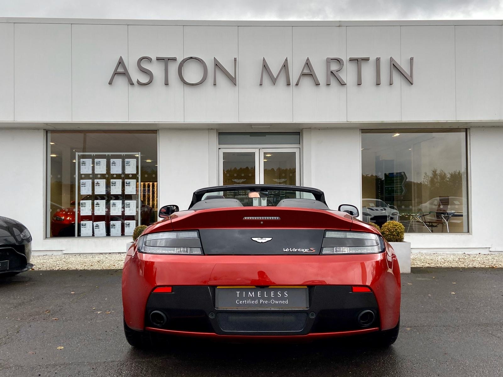 Aston Martin V12 Vantage S Roadster S 2dr Sportshift III image 7