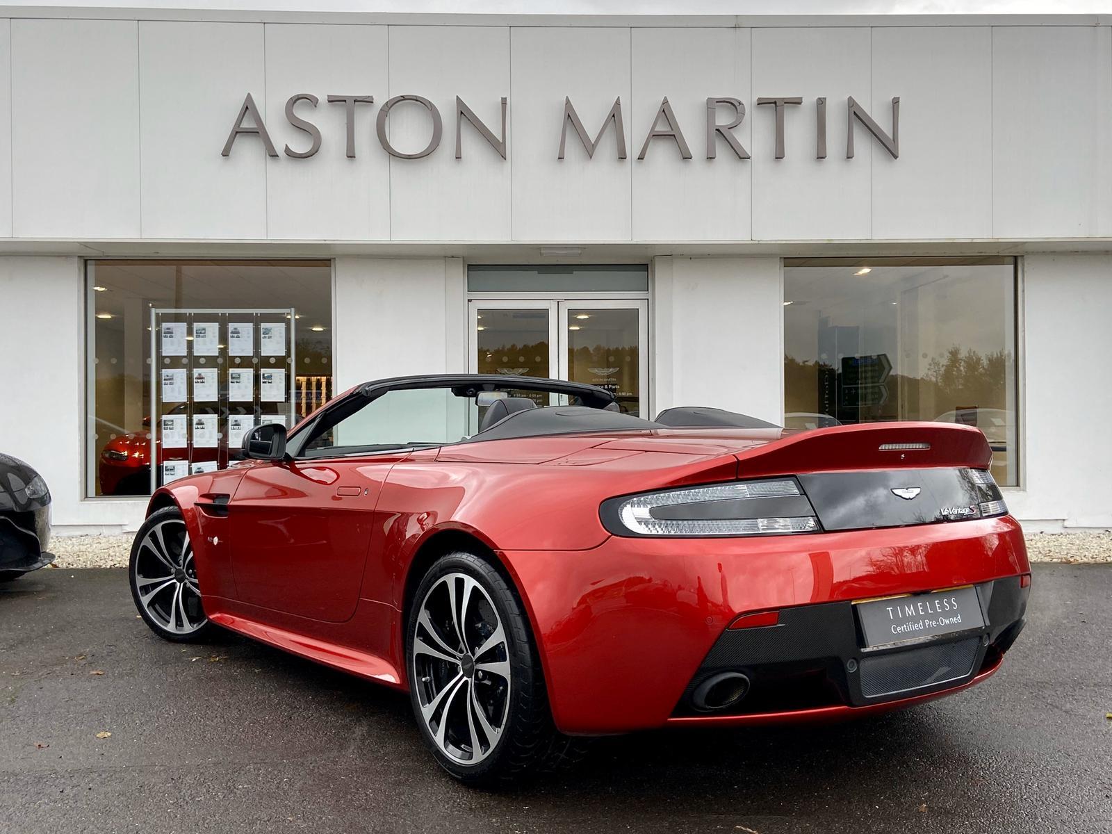 Aston Martin V12 Vantage S Roadster S 2dr Sportshift III image 8