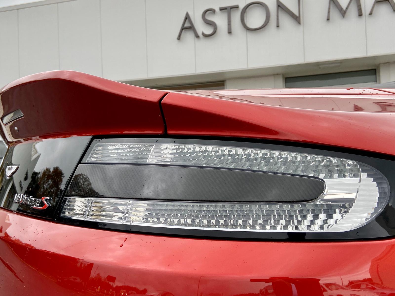 Aston Martin V12 Vantage S Roadster S 2dr Sportshift III image 10