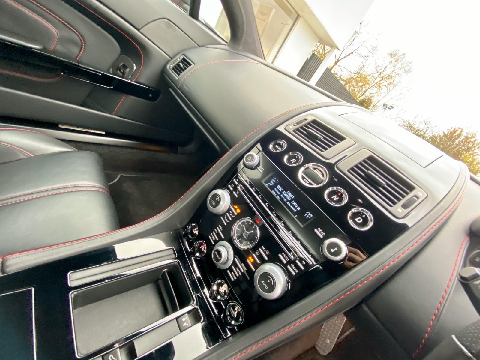 Aston Martin V12 Vantage S Roadster S 2dr Sportshift III image 17