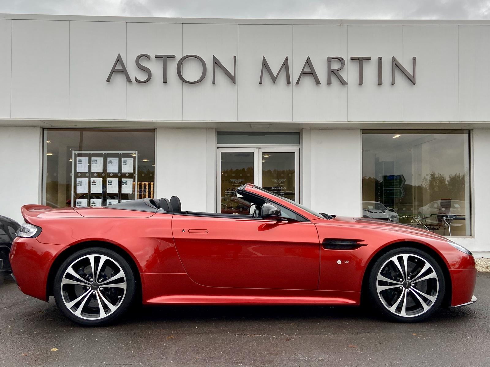 Aston Martin V12 Vantage S Roadster S 2dr Sportshift III image 4