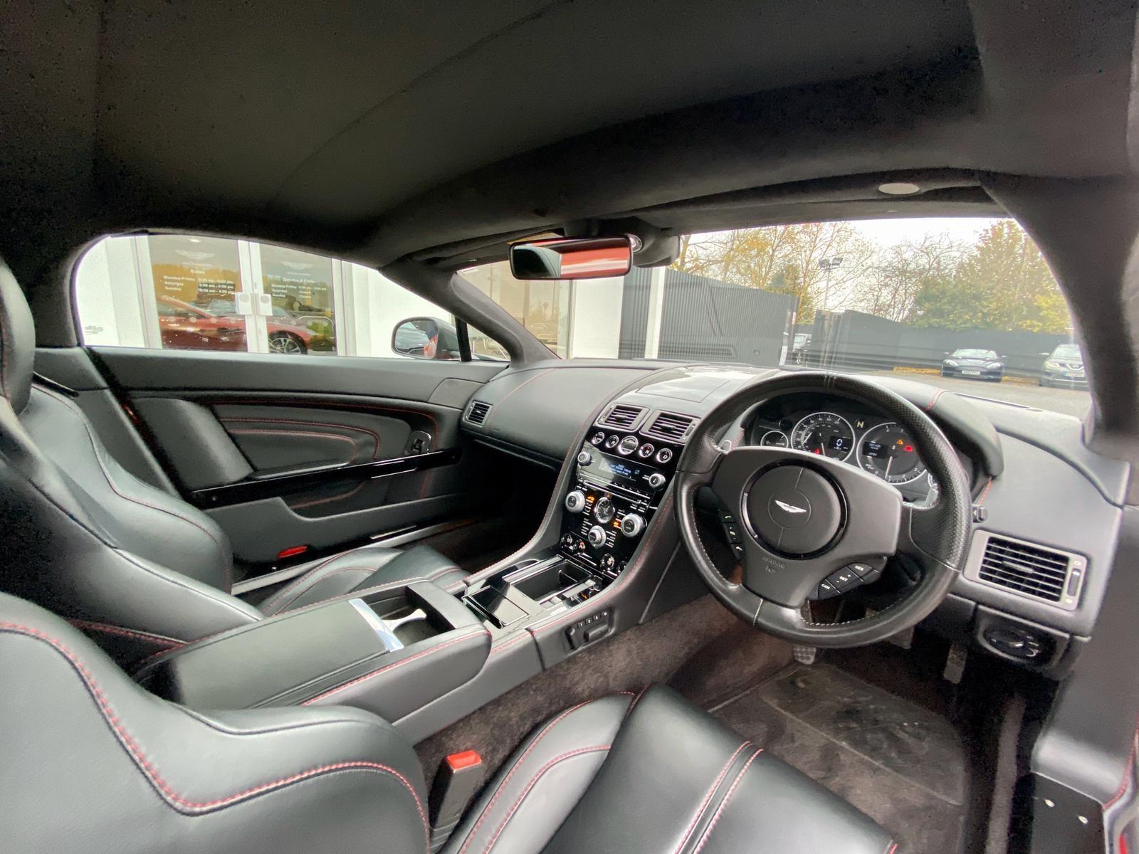 Aston Martin V12 Vantage S Roadster S 2dr Sportshift III image 18