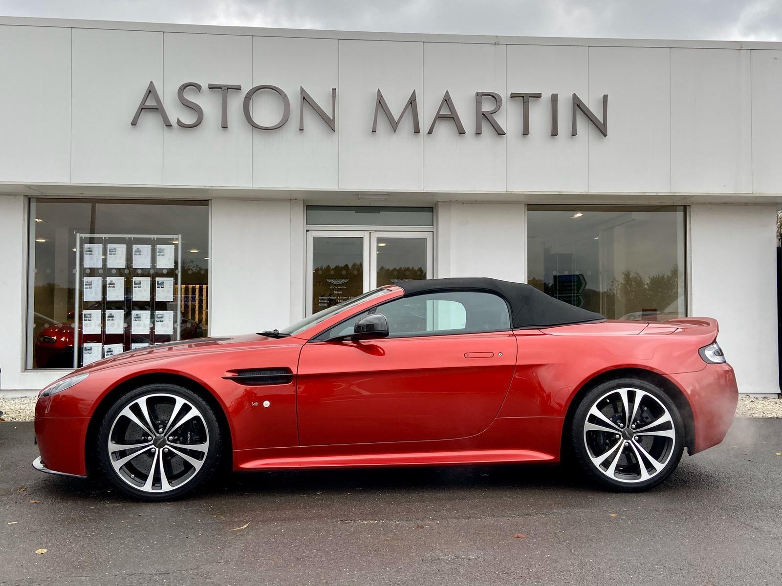 Aston Martin V12 Vantage S Roadster S 2dr Sportshift III image 9