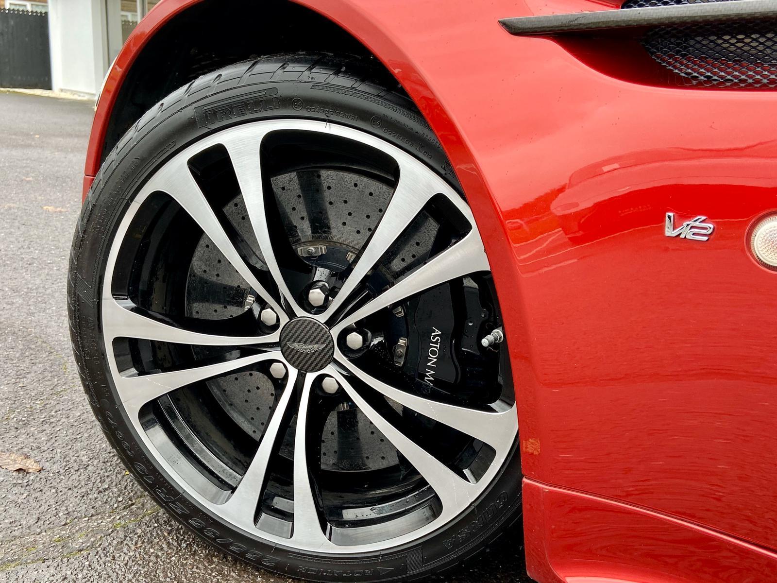 Aston Martin V12 Vantage S Roadster S 2dr Sportshift III image 15