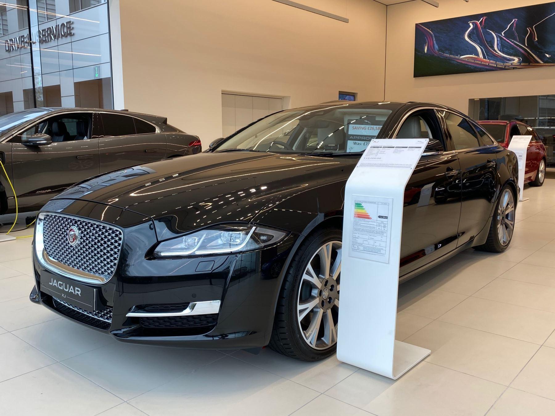 Jaguar XJ 3.0d V6 Portfolio 4dr Auto *Managers Special* Diesel Automatic Saloon (2019) image