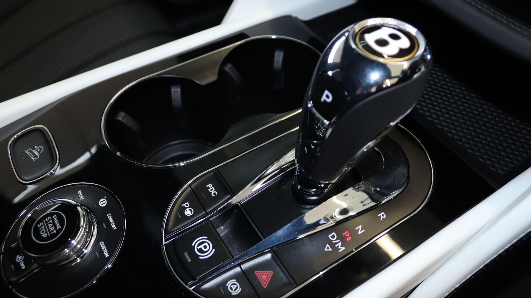 Bentley Bentayga 4.0 V8 5dr image 16