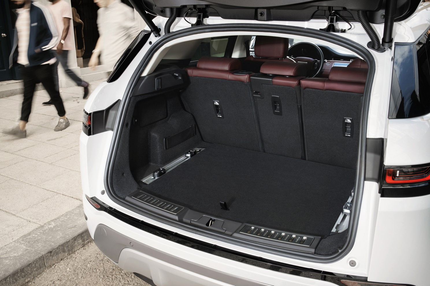 Land Rover Range Rover Evoque 2.0 D180 R-Dynamic SE 5dr Auto image 14