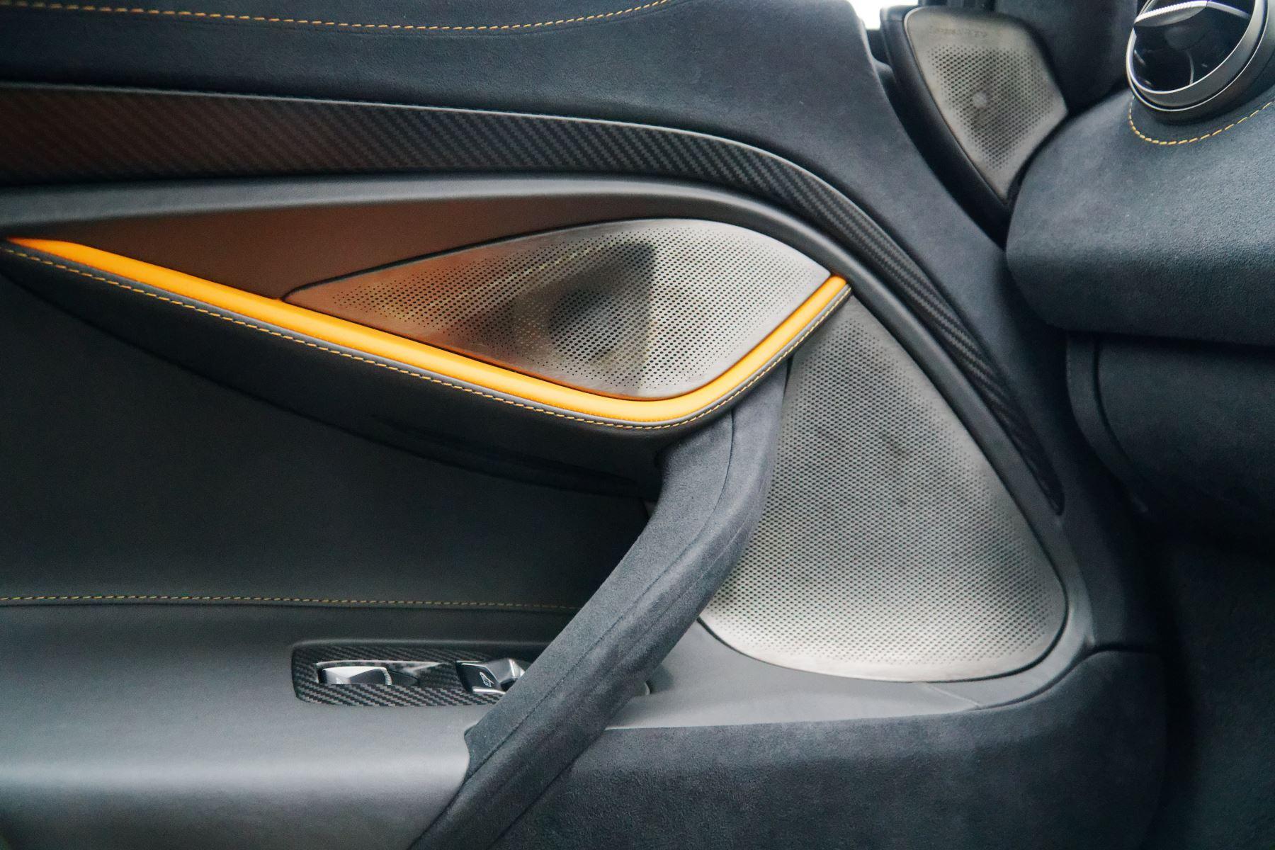 McLaren 720S Performance image 17