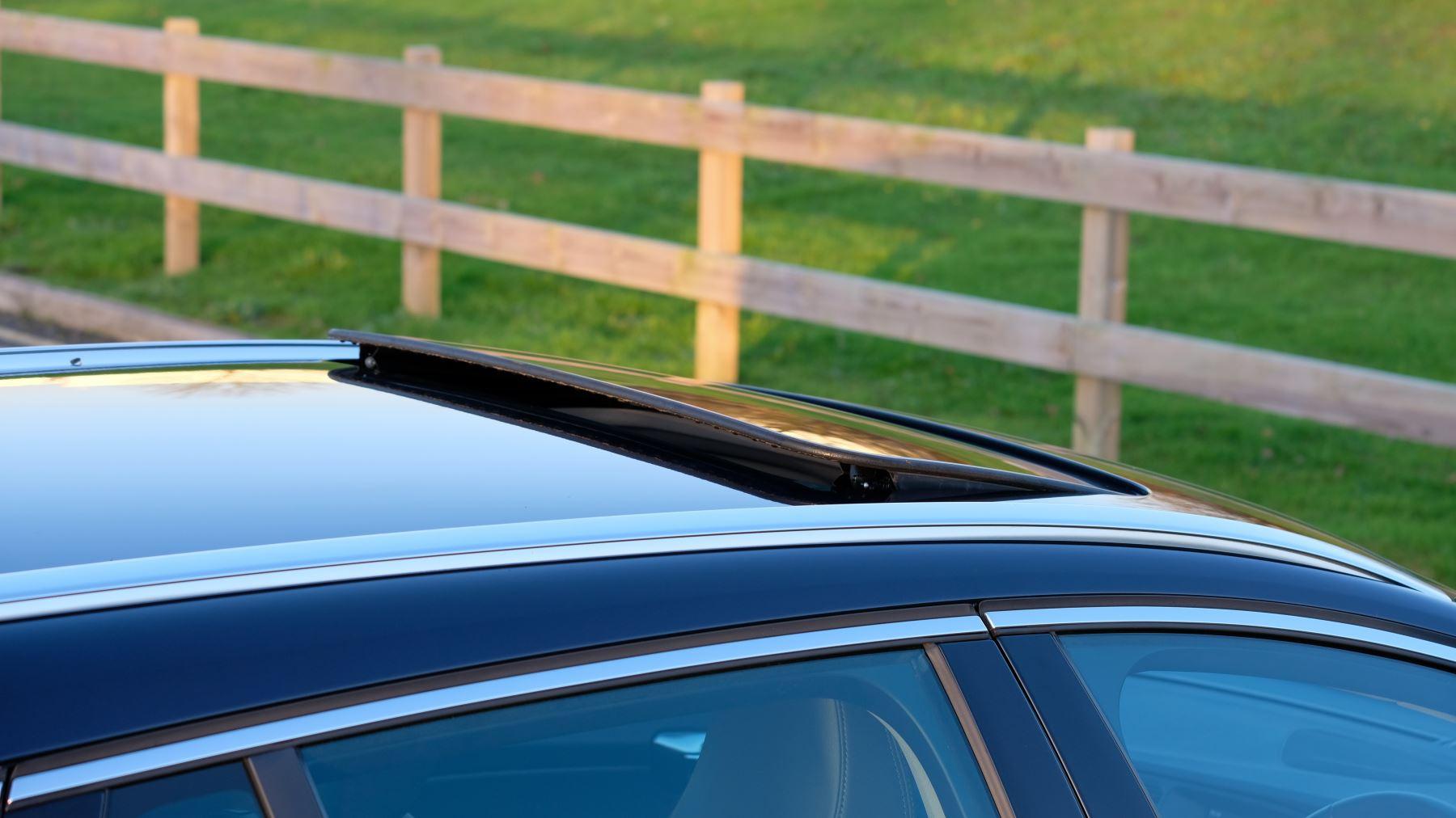 Volvo V60 D4 SE Lux Nav Auto, Winter Illumination & Family Pack, Sunroof, BLIS, VAT Reclaimable image 16