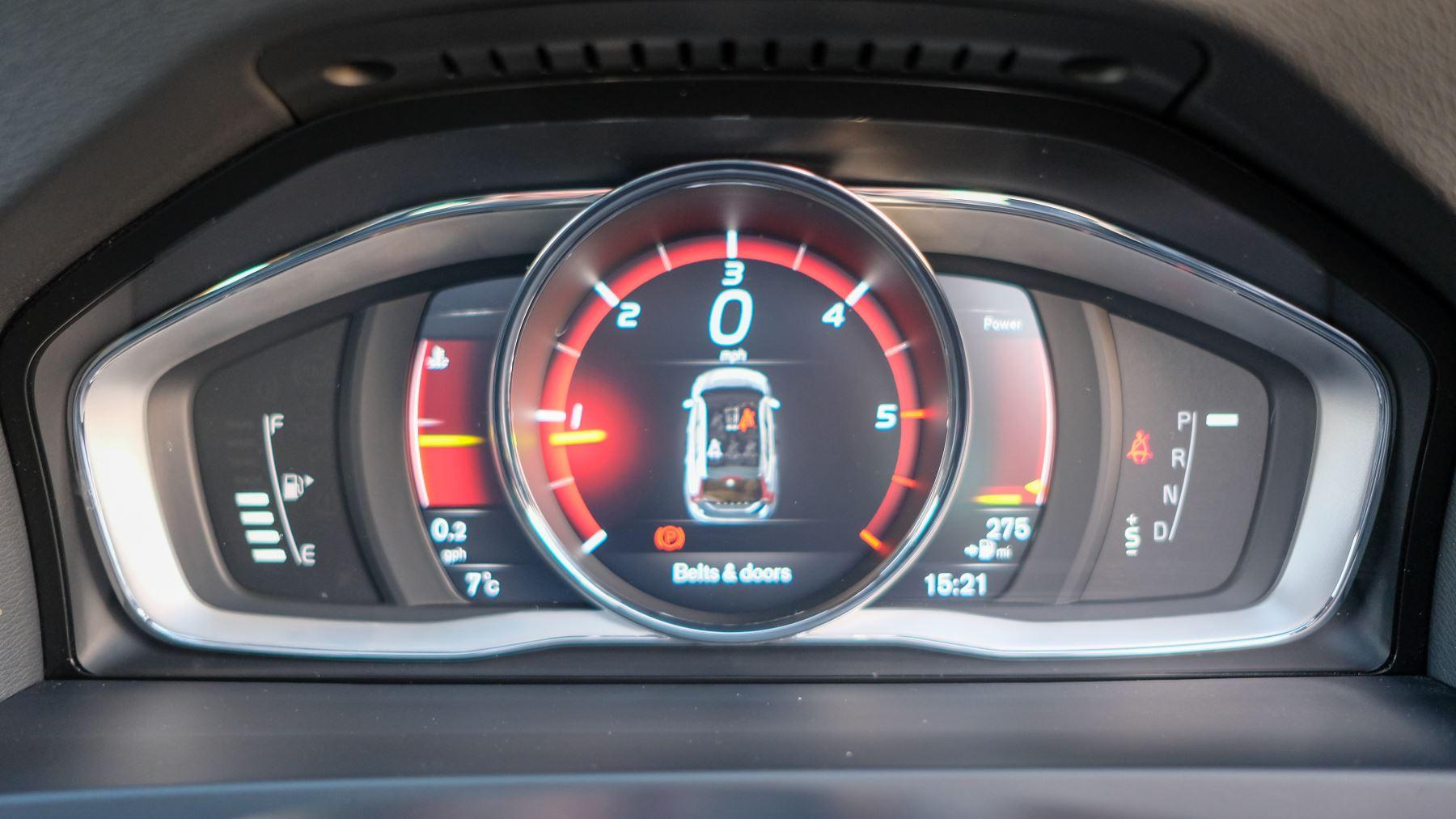 Volvo V60 D4 SE Lux Nav Auto, Winter Illumination & Family Pack, Sunroof, BLIS, VAT Reclaimable image 29