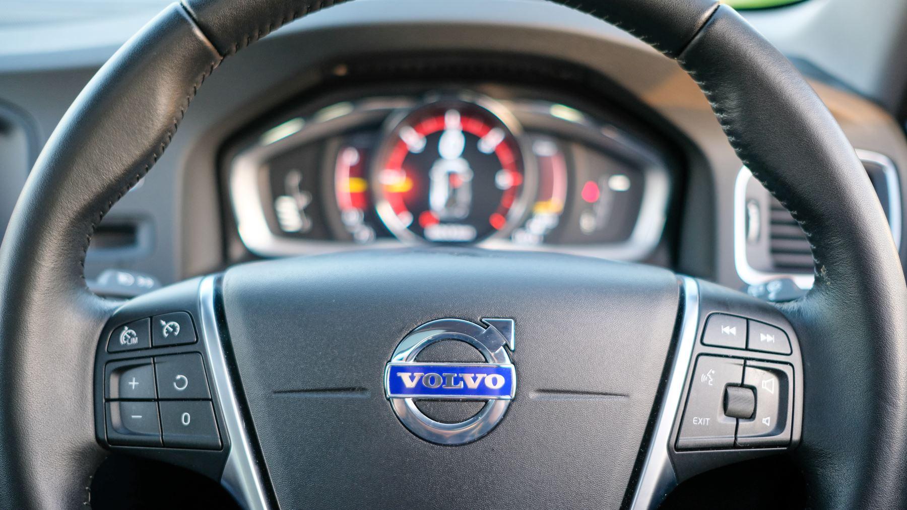 Volvo V60 D4 SE Lux Nav Auto, Winter Illumination & Family Pack, Sunroof, BLIS, VAT Reclaimable image 30