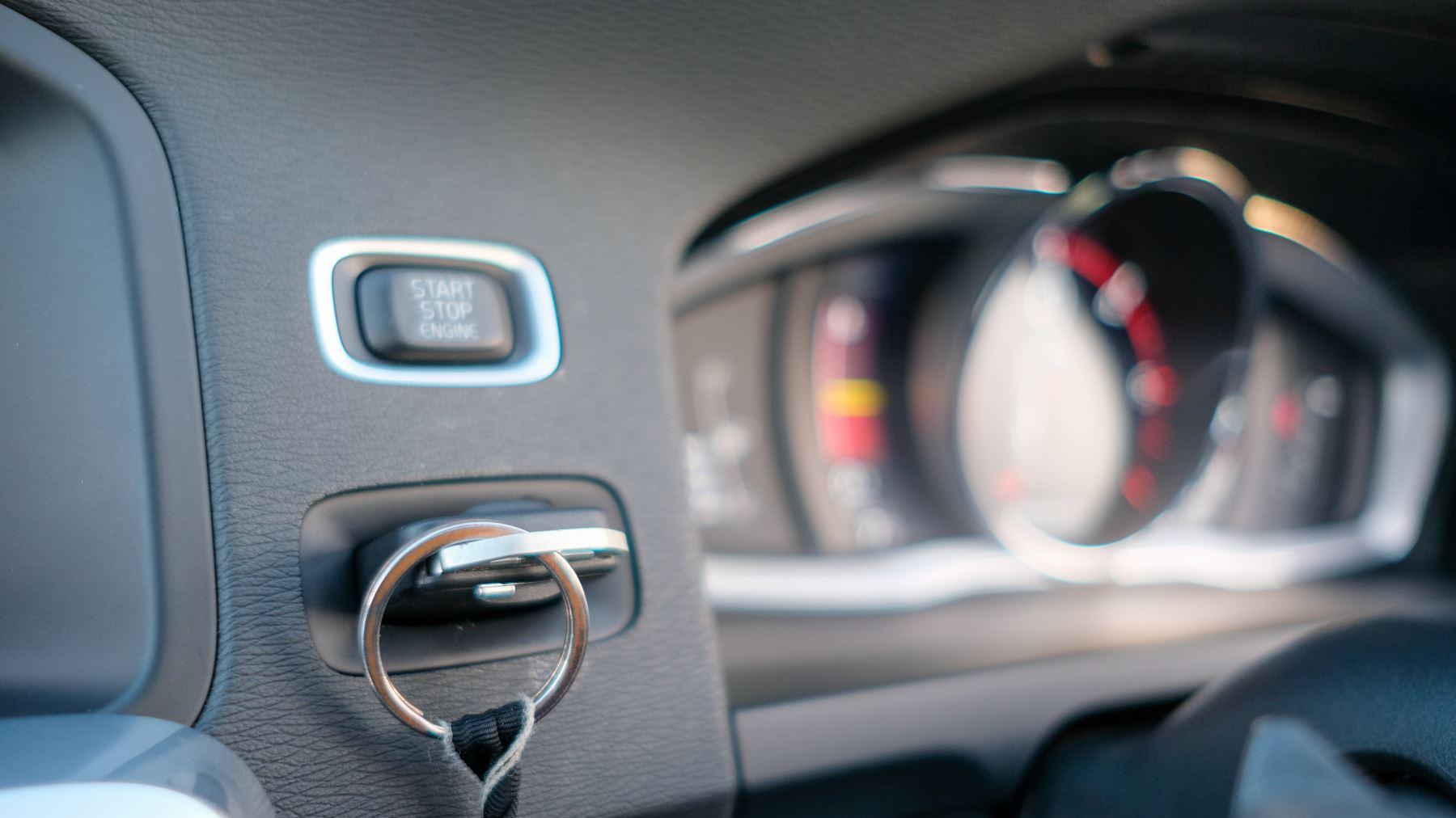 Volvo V60 D4 SE Lux Nav Auto, Winter Illumination & Family Pack, Sunroof, BLIS, VAT Reclaimable image 31