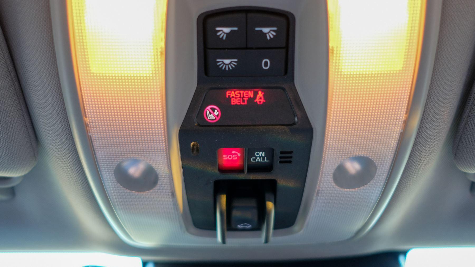 Volvo V60 D4 SE Lux Nav Auto, Winter Illumination & Family Pack, Sunroof, BLIS, VAT Reclaimable image 42