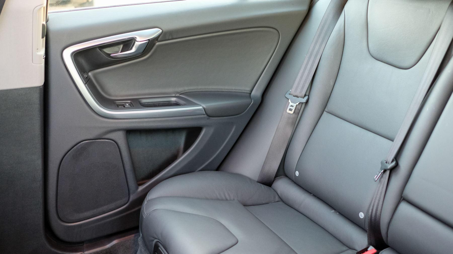 Volvo V60 D4 SE Lux Nav Auto, Winter Illumination & Family Pack, Sunroof, BLIS, VAT Reclaimable image 46