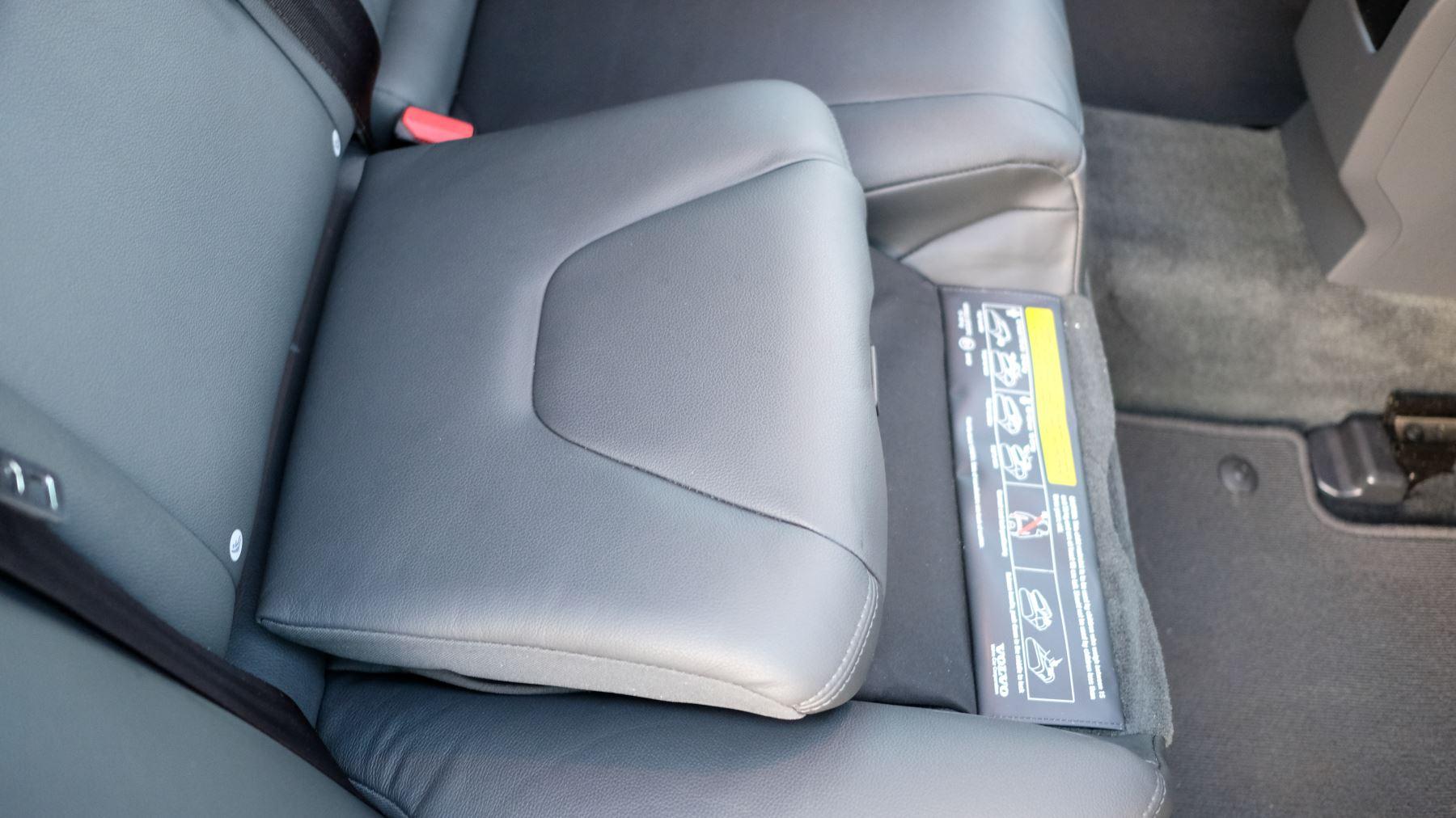 Volvo V60 D4 SE Lux Nav Auto, Winter Illumination & Family Pack, Sunroof, BLIS, VAT Reclaimable image 48