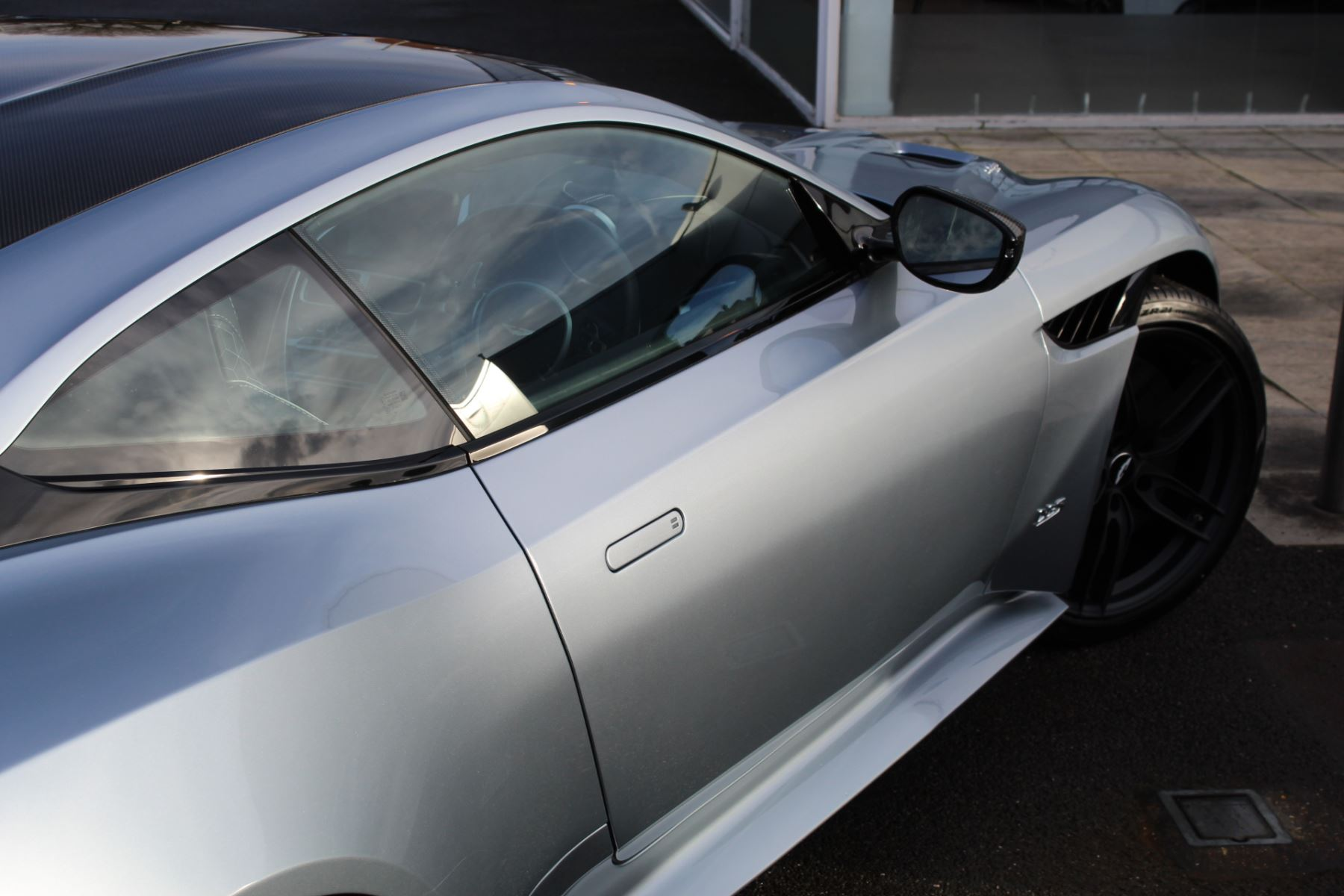 Aston Martin DBS Superleggera V12 2dr Touchtronic image 25