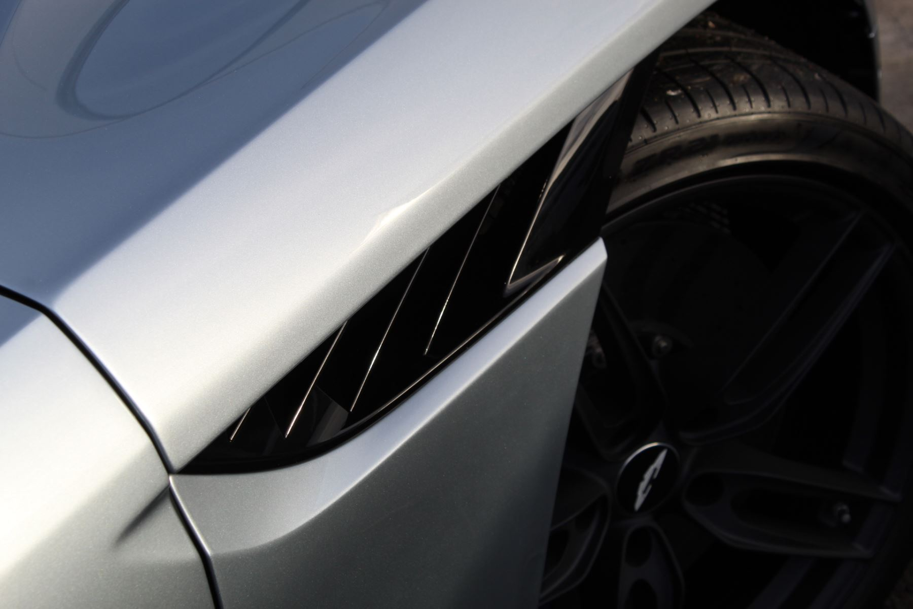 Aston Martin DBS Superleggera V12 2dr Touchtronic image 31