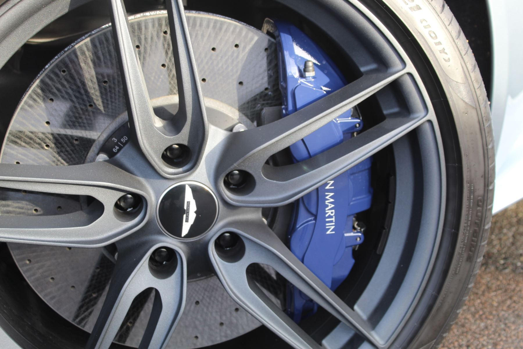 Aston Martin DBS Superleggera V12 2dr Touchtronic image 22