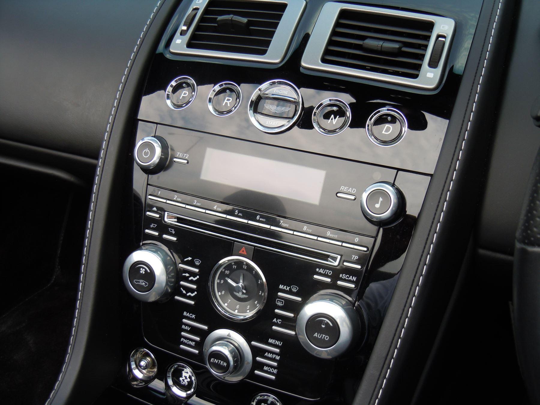 Aston Martin DB9 V12 2dr Volante Touchtronic [470] image 4