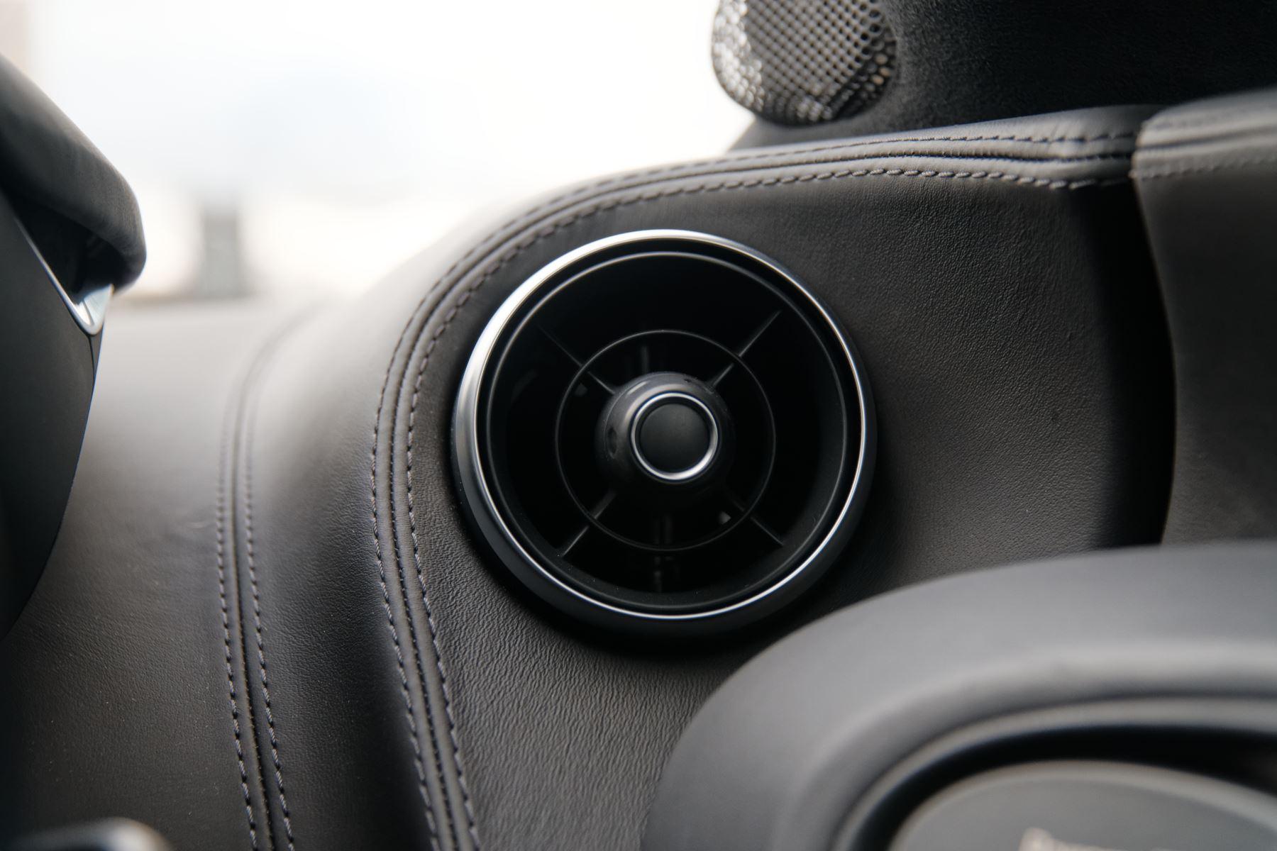 McLaren 570GT SSG 3.8  image 28