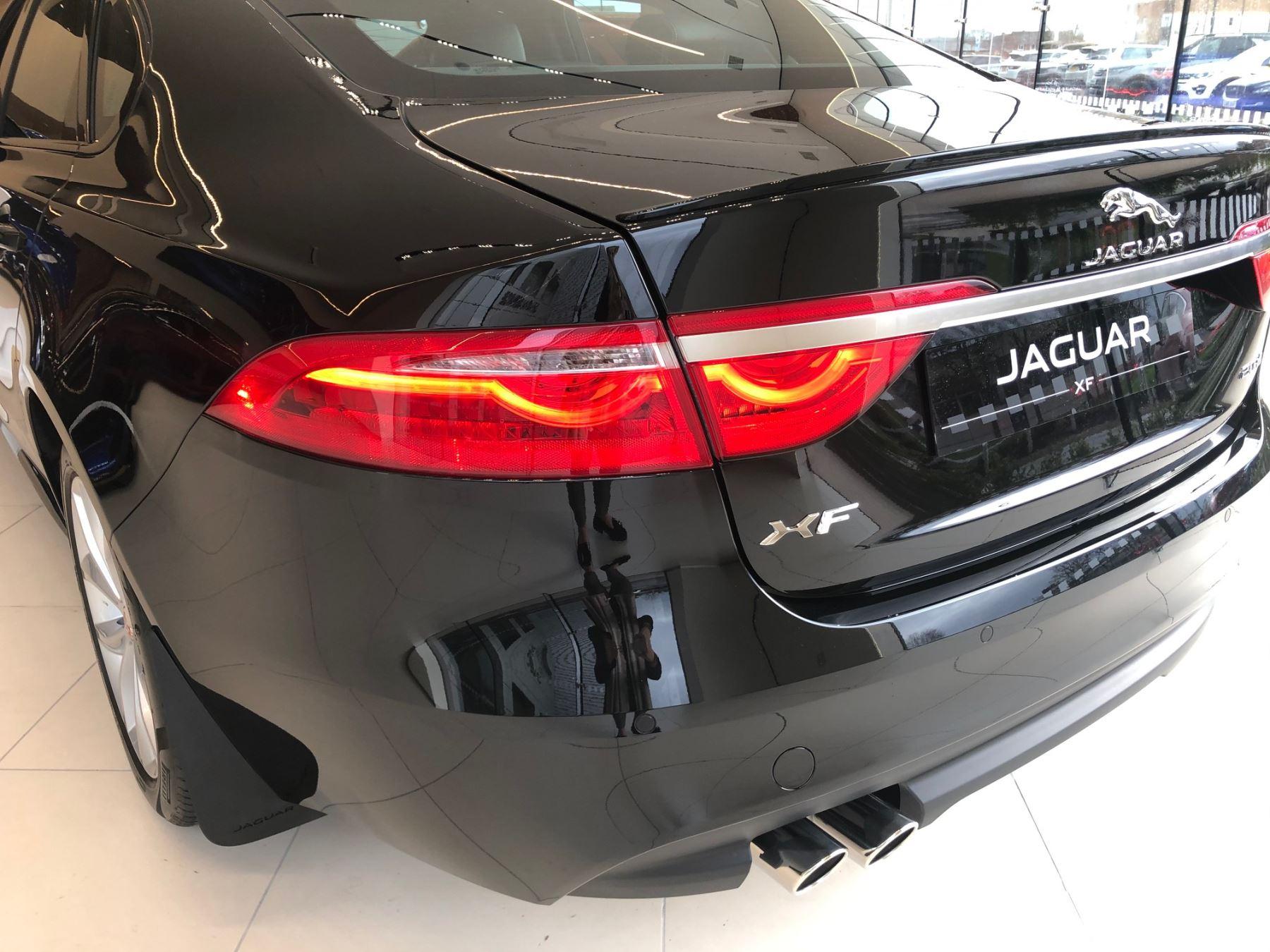 Jaguar XF 2.0d 180 R-Sport image 13