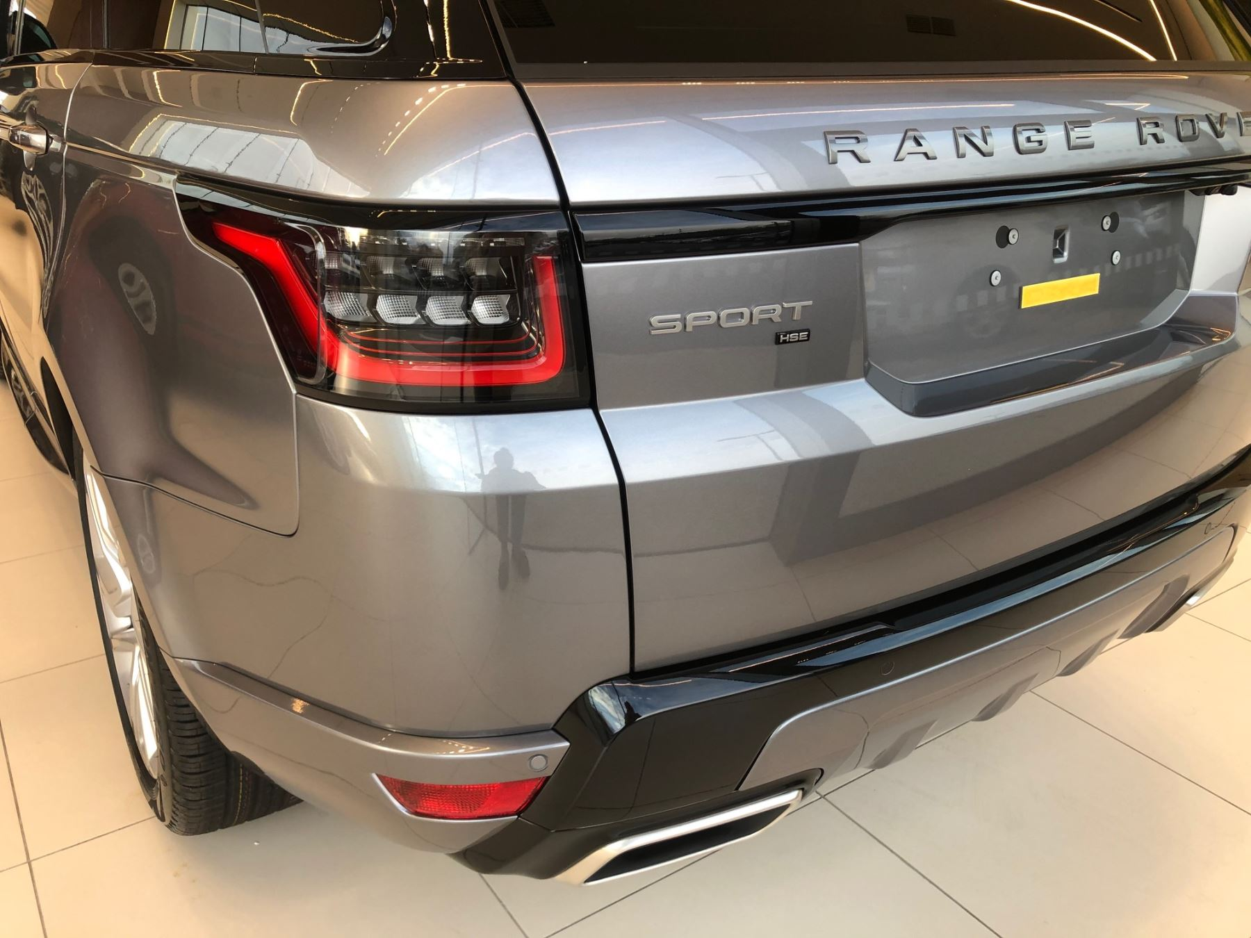 Land Rover Range Rover Sport 3.0 SDV6 HSE Dynamic (7 seat) image 9
