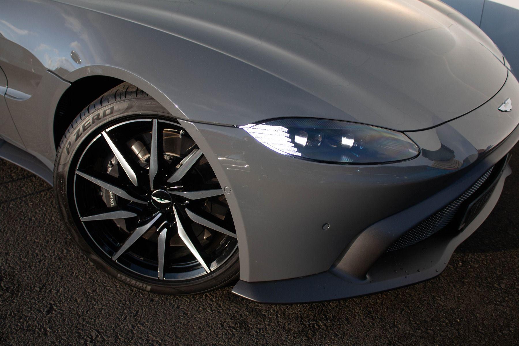 Aston Martin V8 Vantage Coupe 2dr ZF 8 Speed image 7