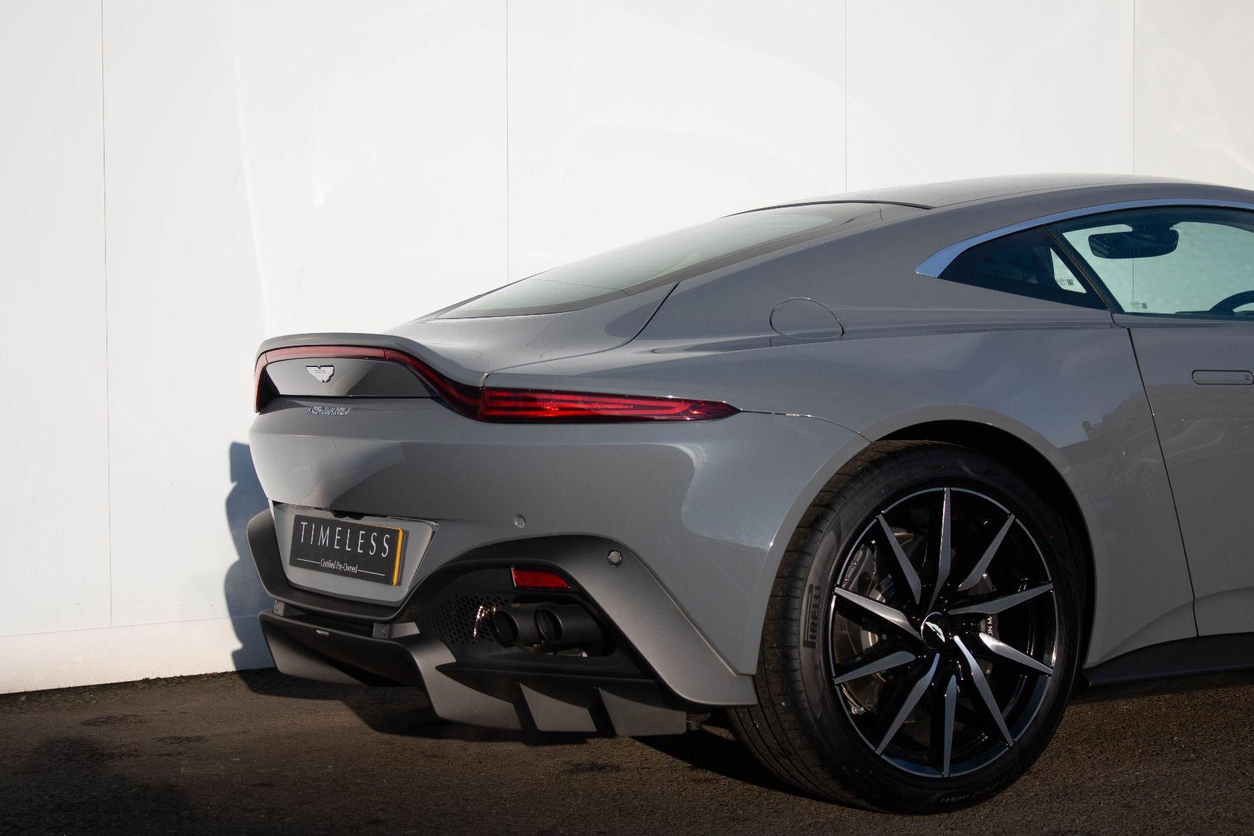 Aston Martin V8 Vantage Coupe 2dr ZF 8 Speed image 8