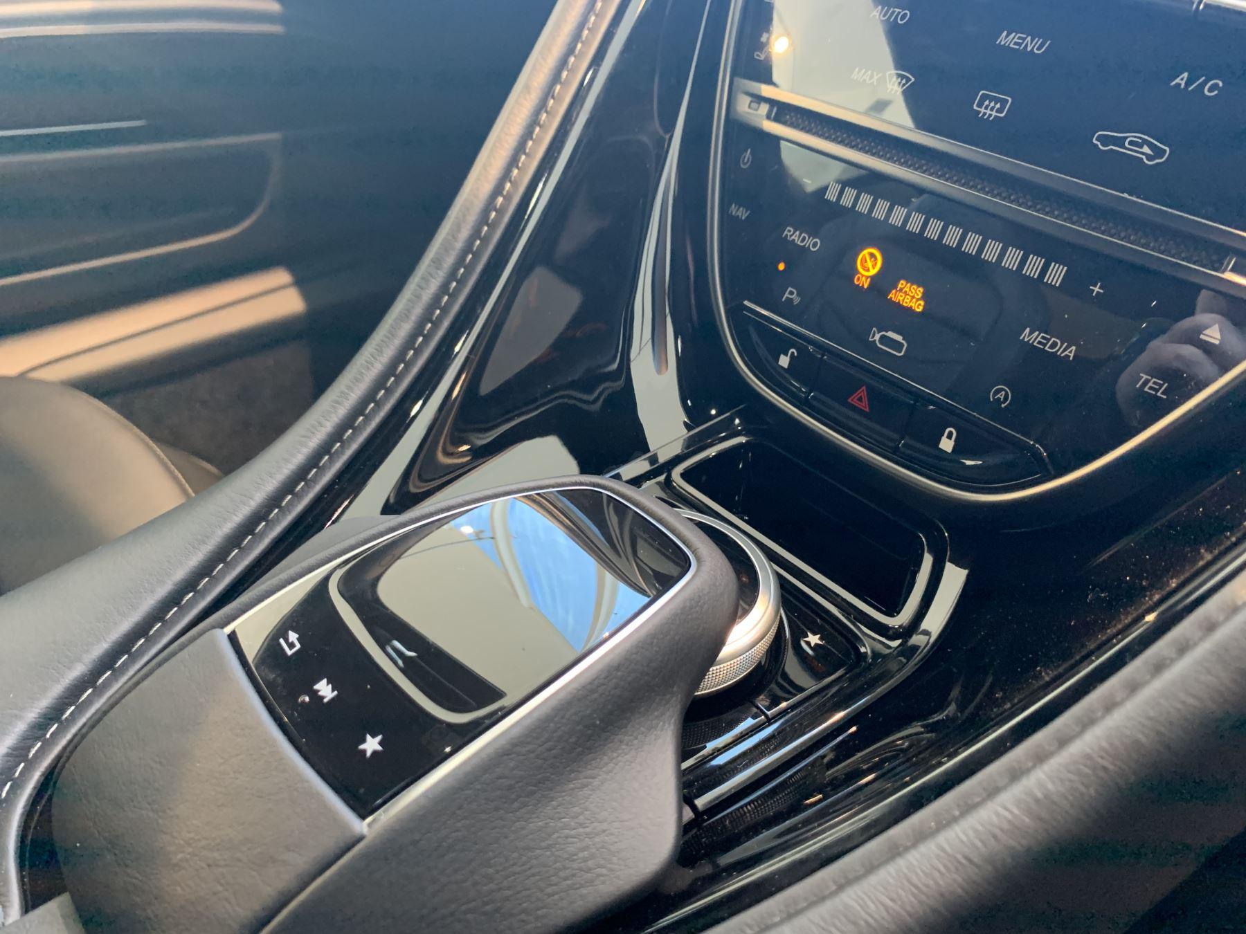 Aston Martin DBS Superleggera V12 Superleggera 2dr Touchtronic Auto image 12