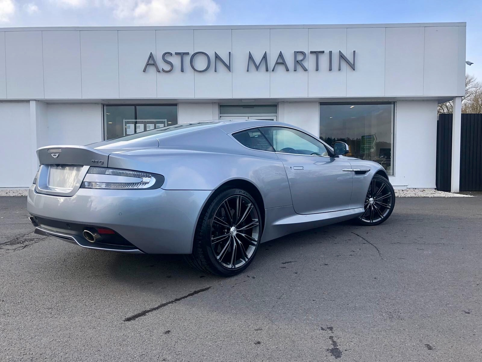 Aston Martin DB9 V12 2dr Touchtronic image 5