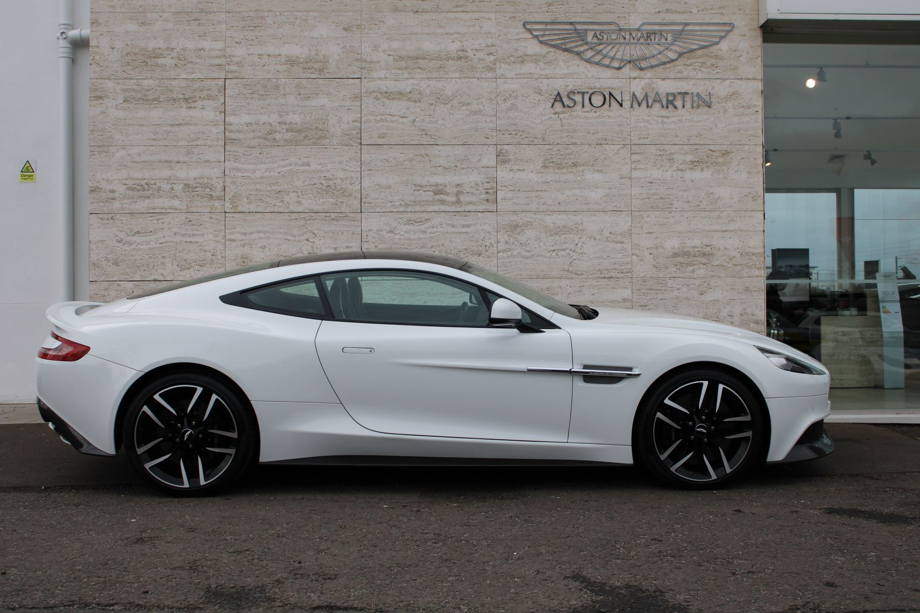 Aston Martin Vanquish V12 [568] 2+2 2dr Touchtronic image 2