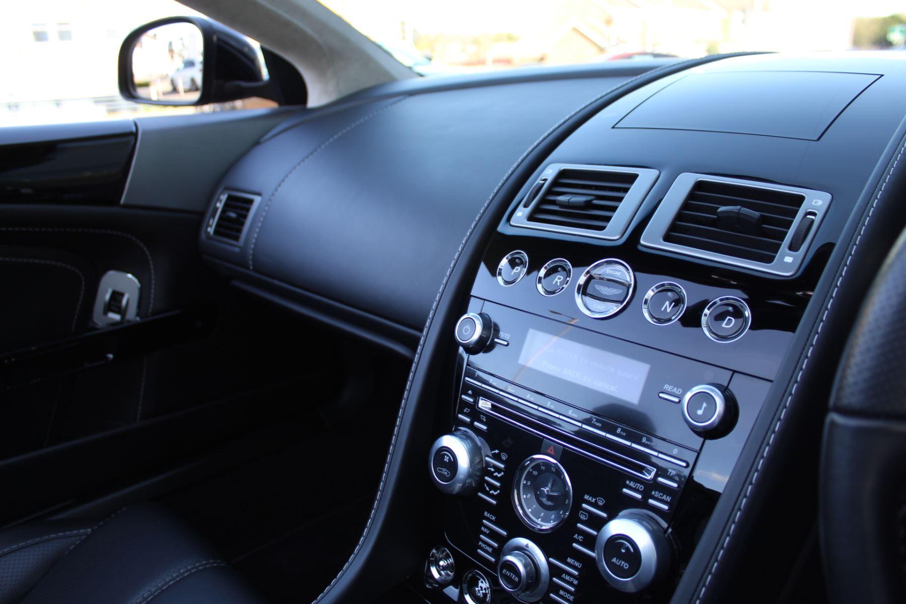 Aston Martin DB9 V12 2dr Volante Touchtronic [470] image 15