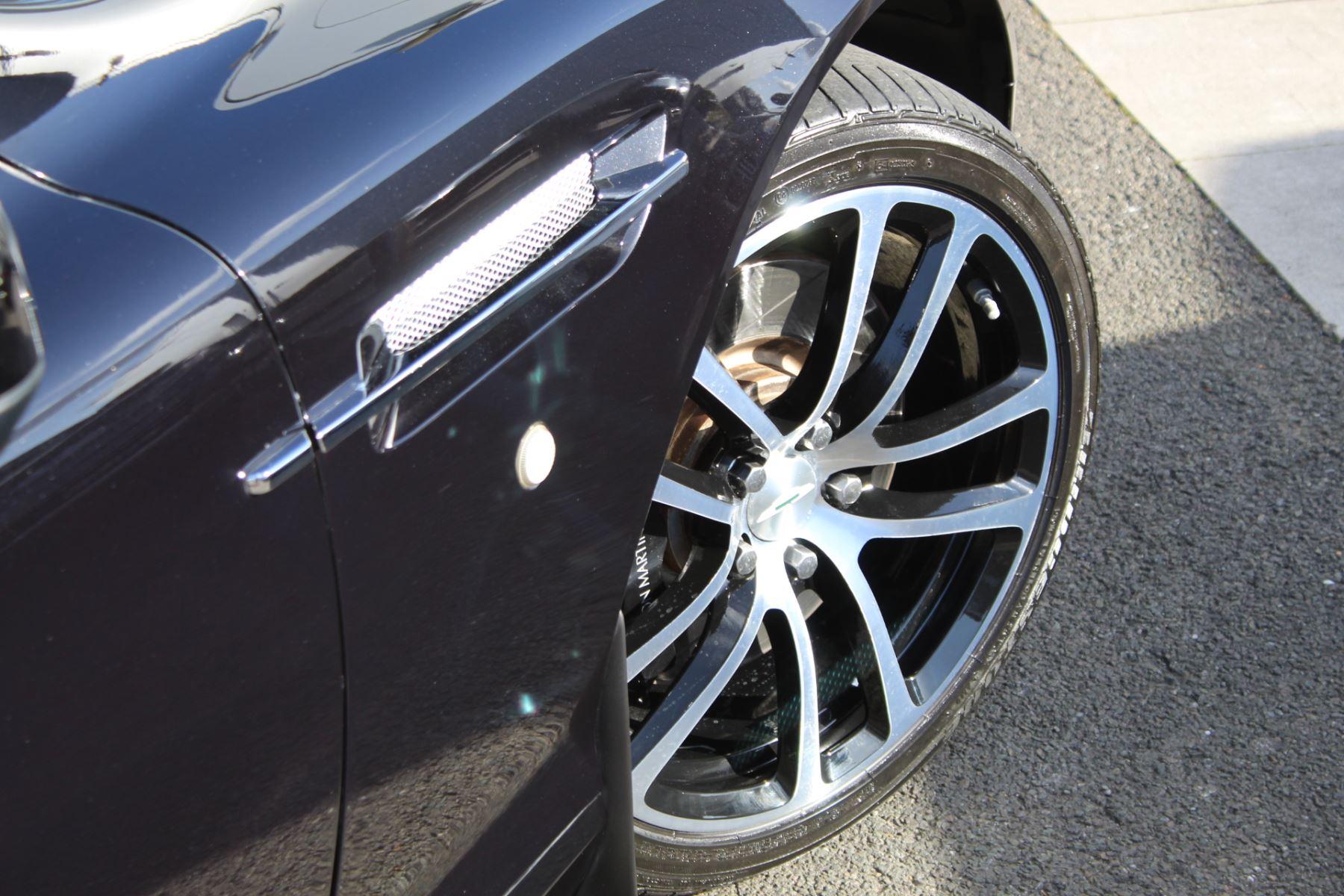 Aston Martin DB9 V12 2dr Touchtronic [470] image 21
