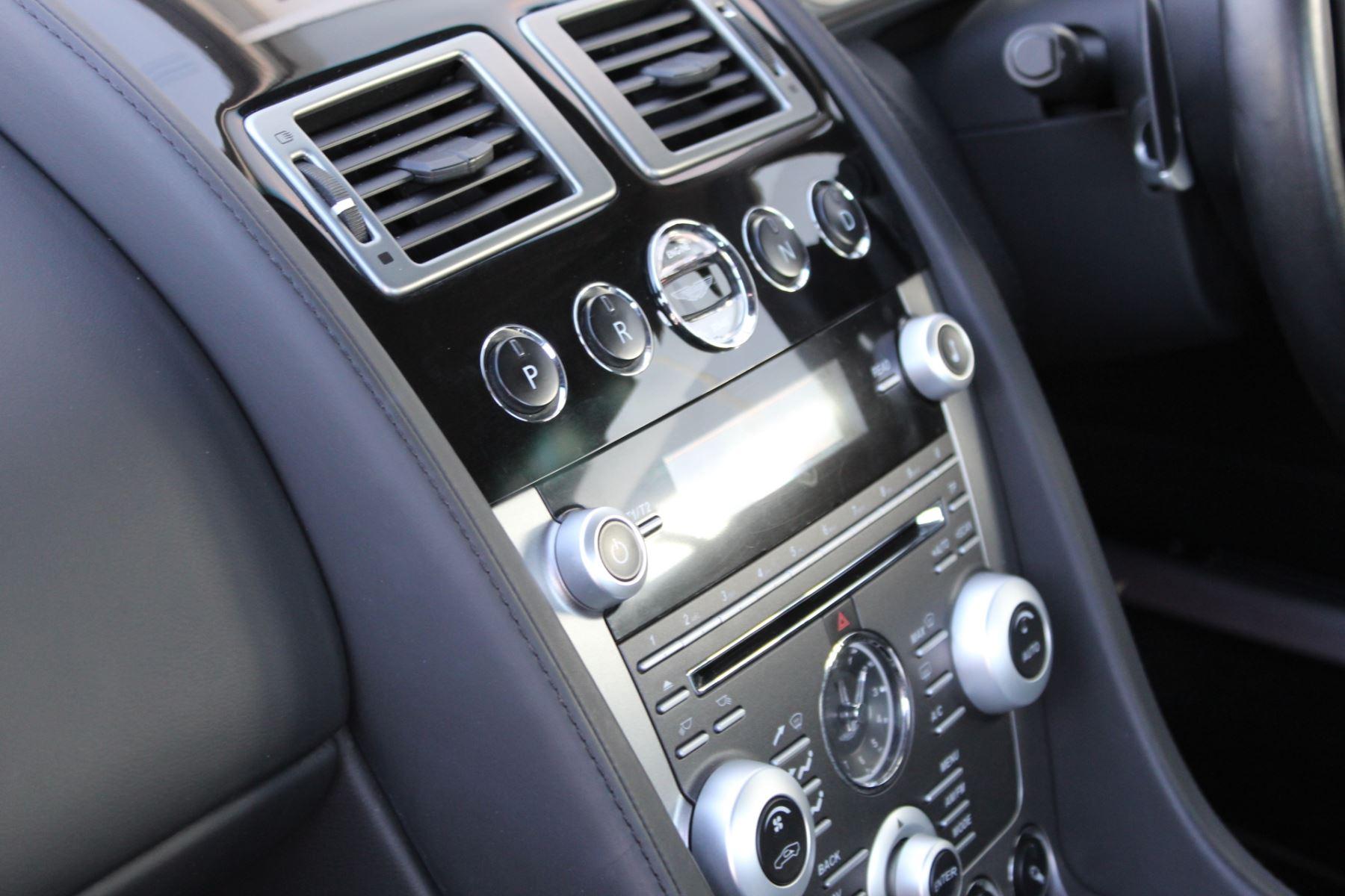 Aston Martin DB9 V12 2dr Touchtronic [470] image 13