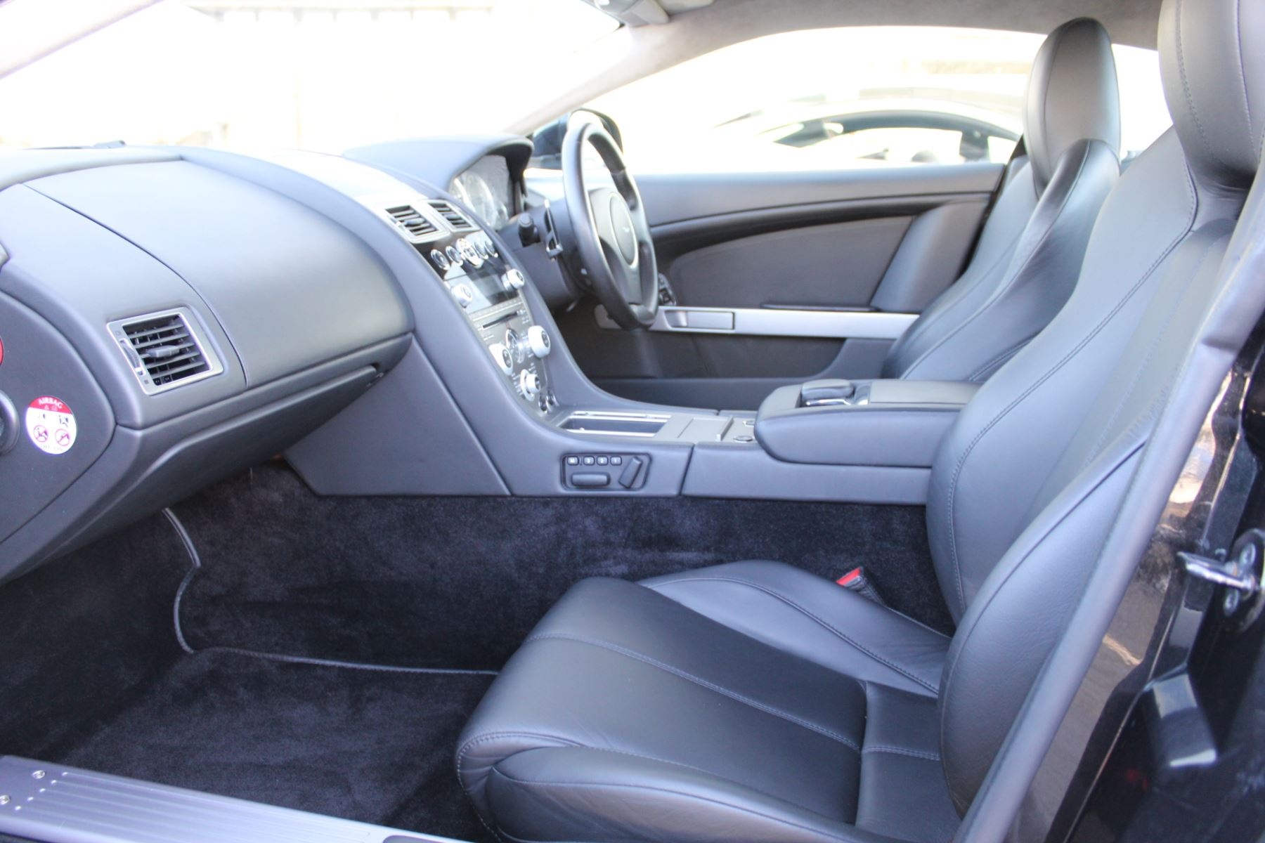 Aston Martin DB9 V12 2dr Touchtronic [470] image 10