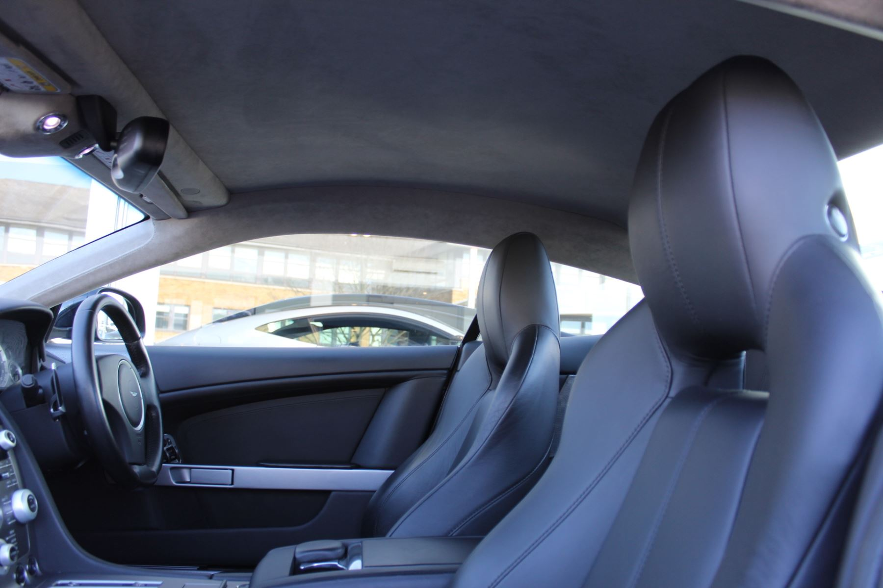 Aston Martin DB9 V12 2dr Touchtronic [470] image 11