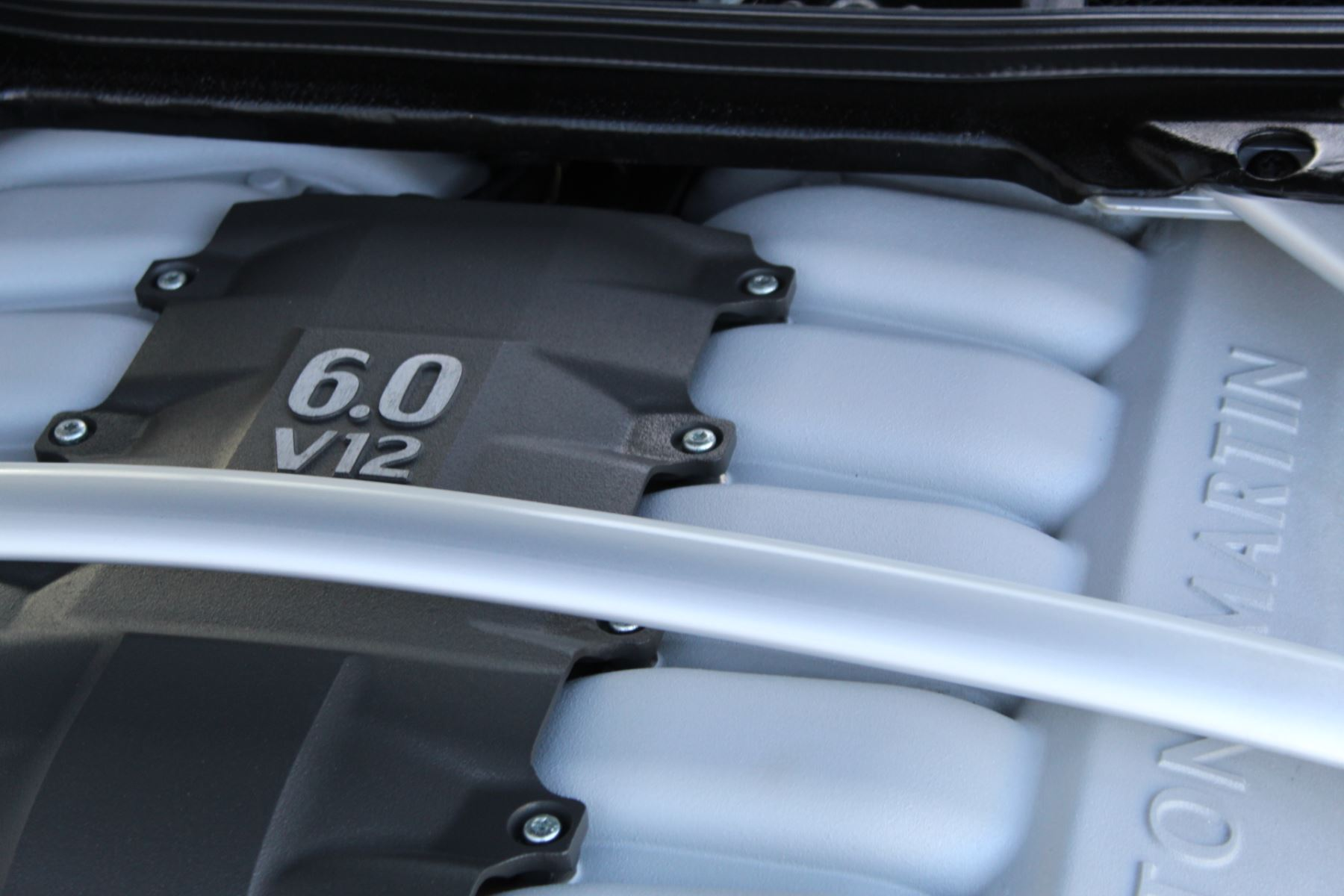 Aston Martin DB9 V12 2dr Touchtronic [470] image 23