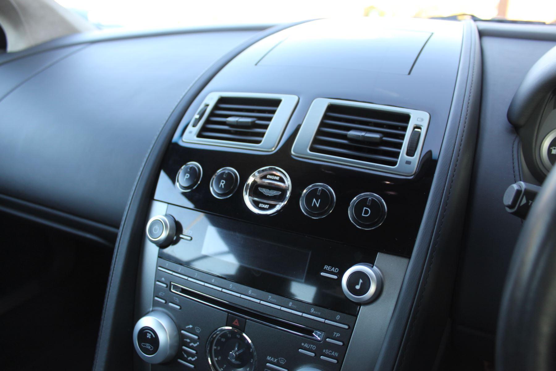 Aston Martin DB9 V12 2dr Touchtronic [470] image 14