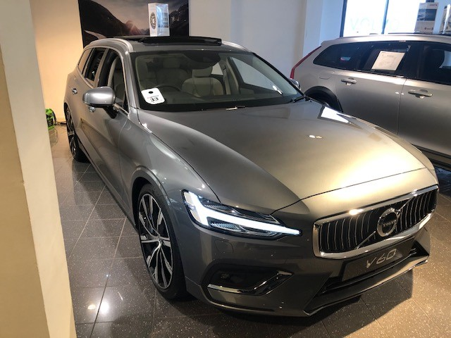 Volvo V60 D4 Inscription Plus Auto, Xenium & Winter Pks, Tints, Intellisafe Surround & BLIS, 20 Inch Alloys 2.0 Diesel Automatic 5 door Estate (19MY)