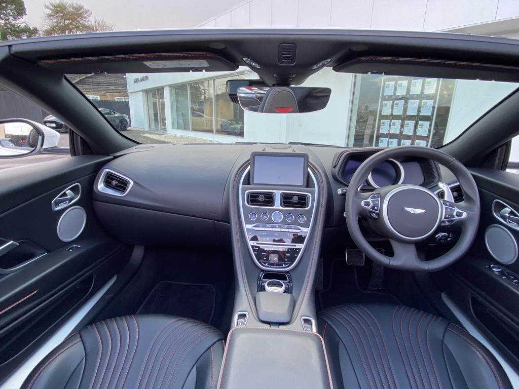 Aston Martin DB11 V8 Volante 2dr Touchtronic image 14