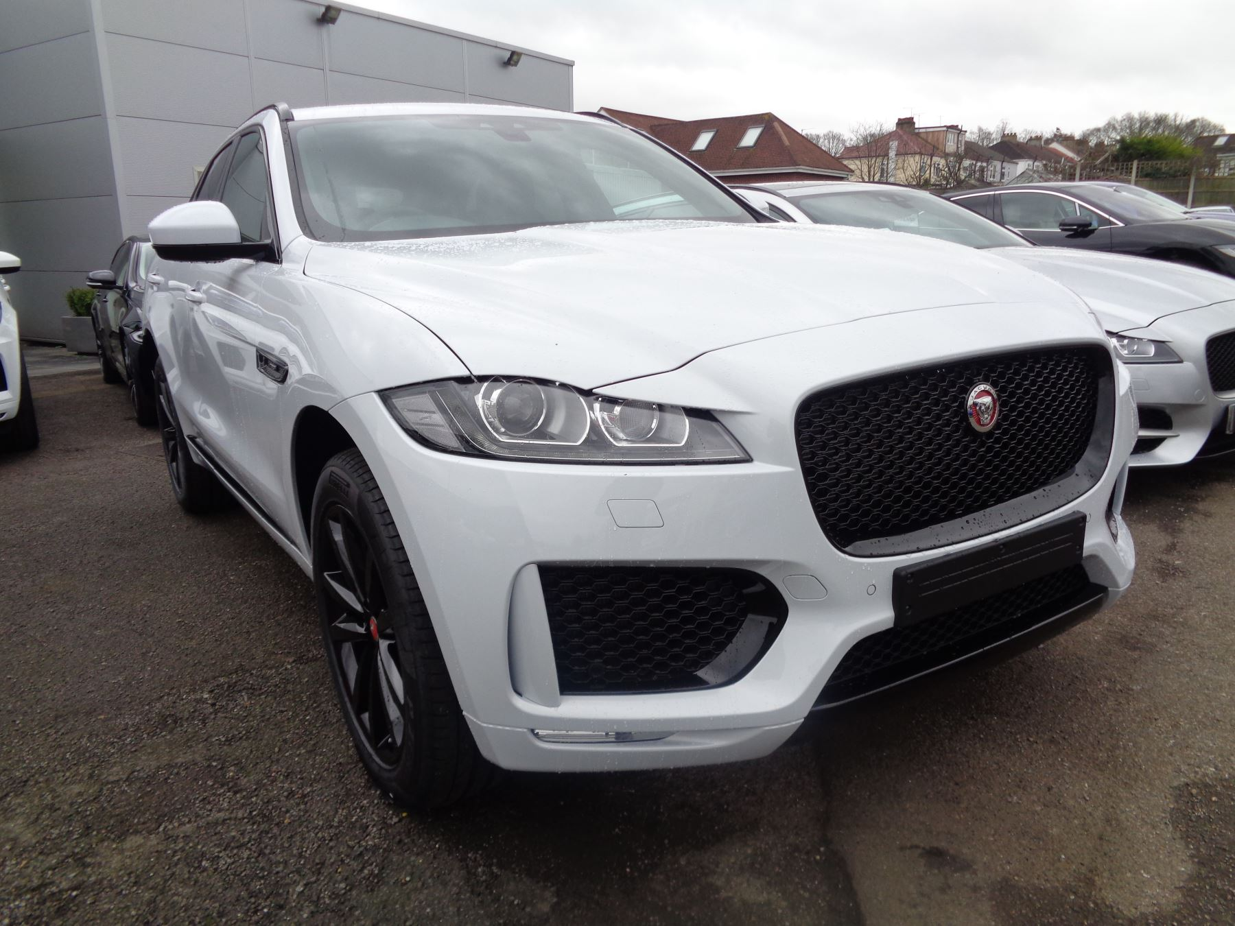 Jaguar F-PACE 2.0 250 Chequered Flag AWD SPECIAL EDITIONS SAVE 3510! Automatic 5 door Estate (2020)