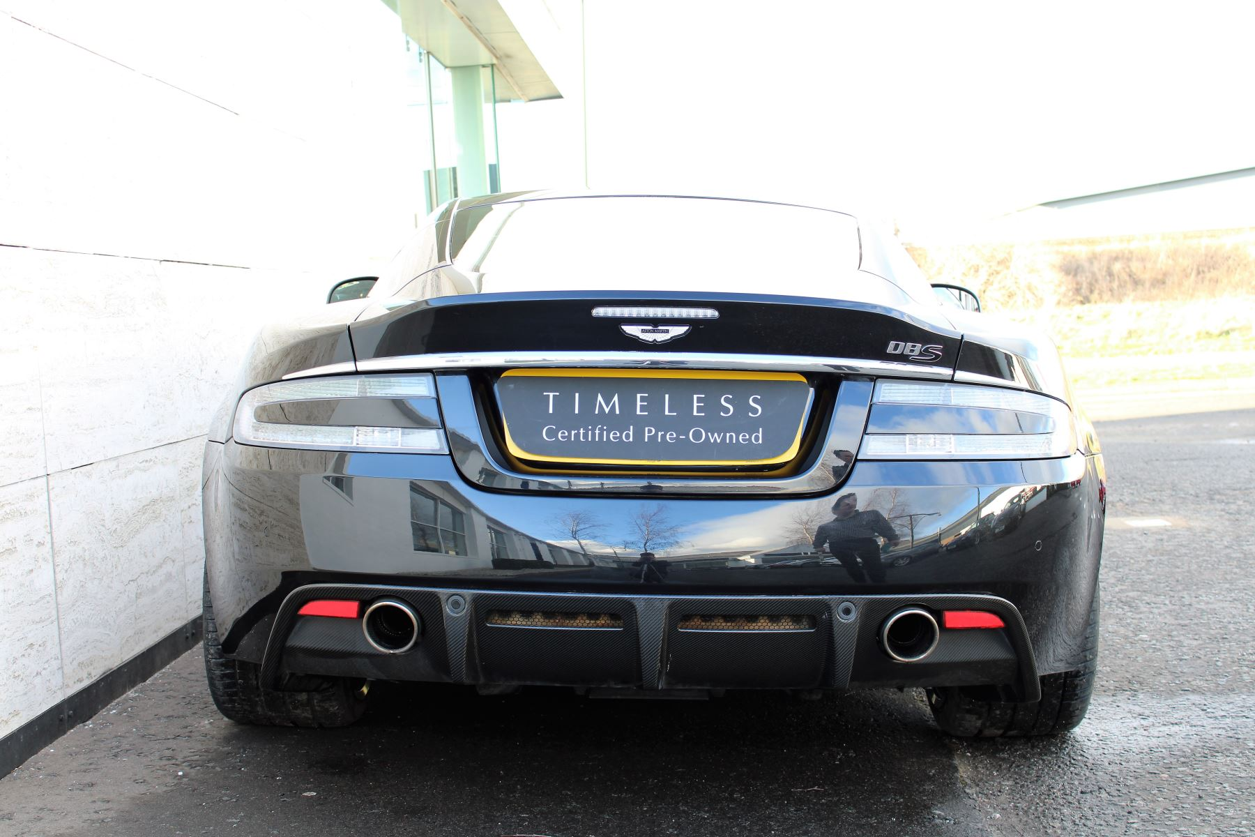 Aston Martin DBS V12 CARBON EDITION 2dr Touchtronic image 8