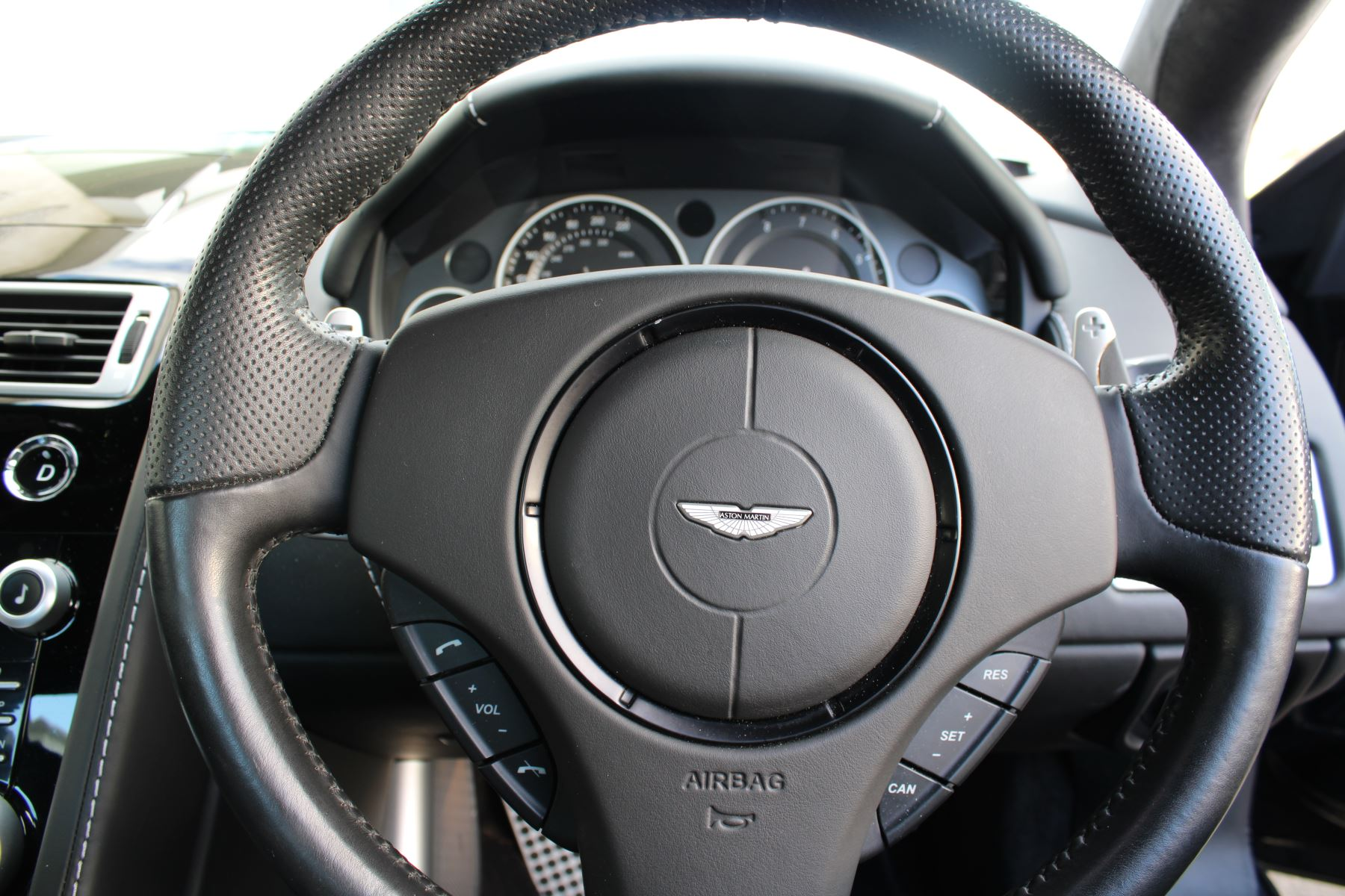 Aston Martin DBS V12 CARBON EDITION 2dr Touchtronic image 14