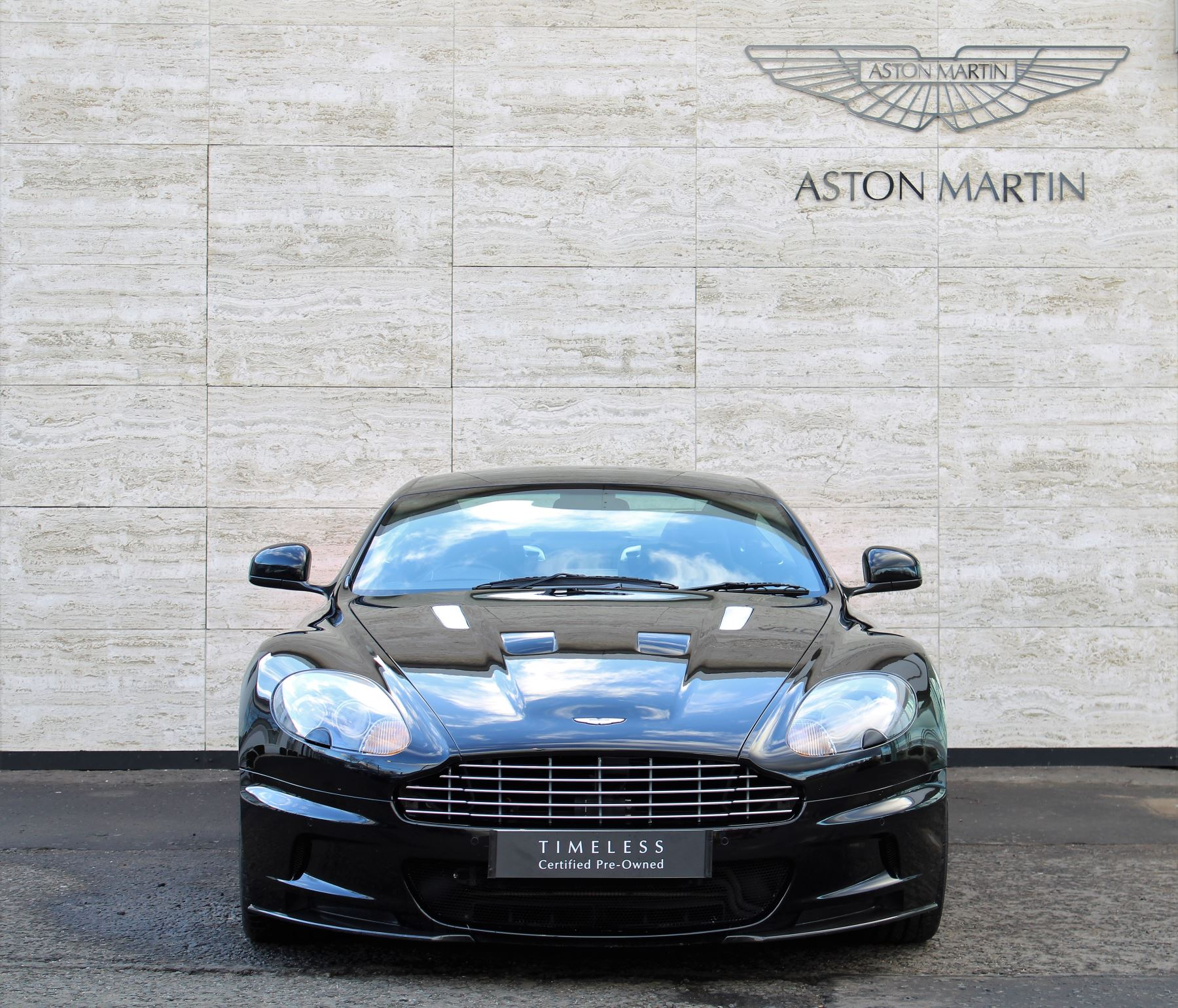 Aston Martin DBS V12 CARBON EDITION 2dr Touchtronic image 3