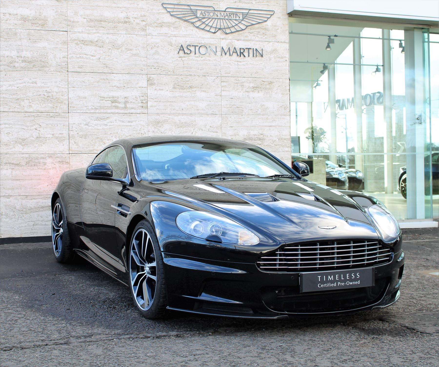 Aston Martin DBS V12 CARBON EDITION 2dr Touchtronic image 2
