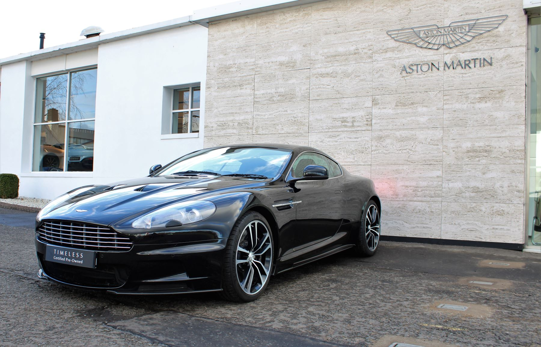 Aston Martin DBS V12 CARBON EDITION 2dr Touchtronic image 4