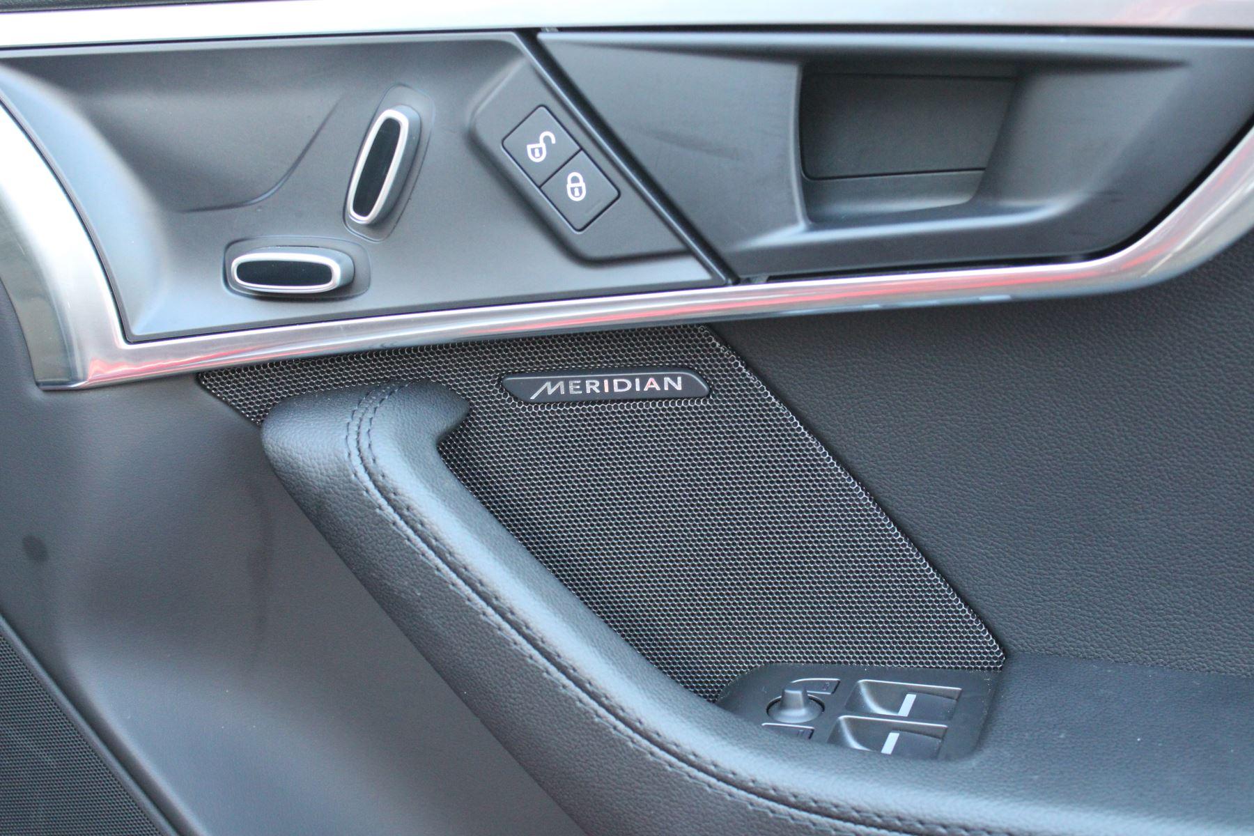 Jaguar F-TYPE 3.0 Supercharged V6 R-Dynamic 2dr image 12