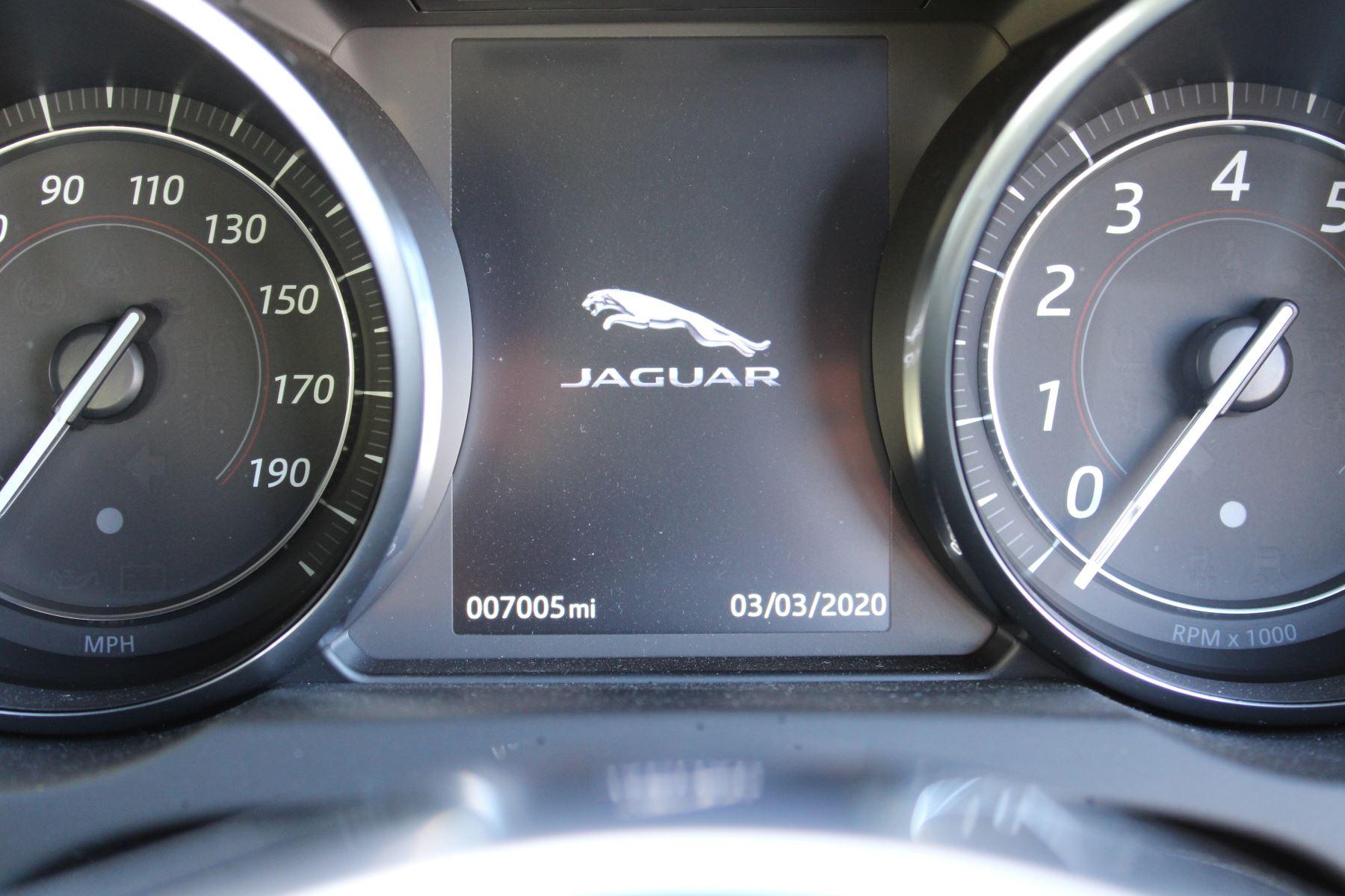 Jaguar F-TYPE 3.0 Supercharged V6 R-Dynamic 2dr image 19