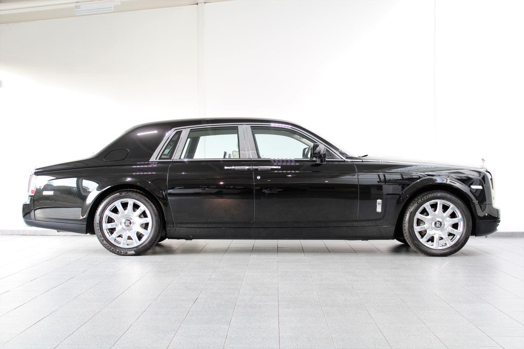 Rolls-Royce Phantom II 4dr Auto image 18